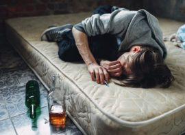 mężczyzna uzależniony od narkotyków