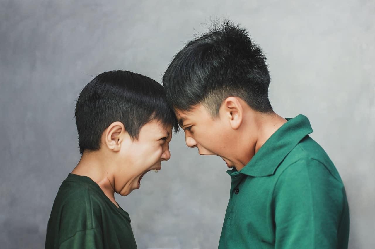 agresja u młodych ludzi