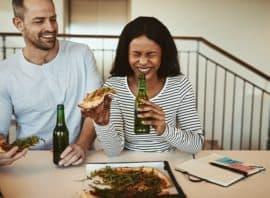 jedzenie i picie alkoholu