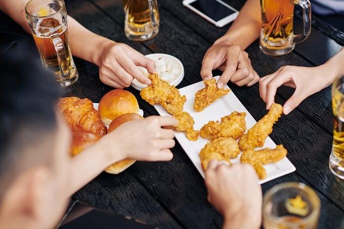 picie alkoholu wzmaga apetyt