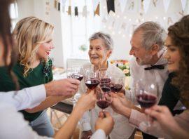 spotkanie rodzinne z alkoholem